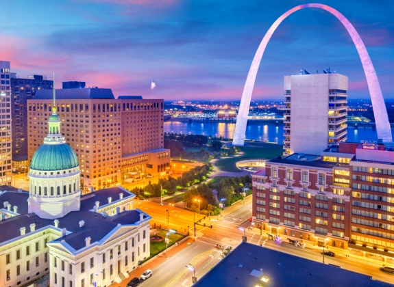 st. louis city view with the Arch