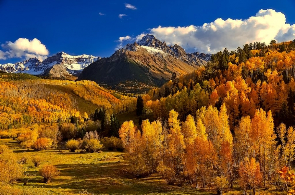 Rocky Mountain National Park in fall